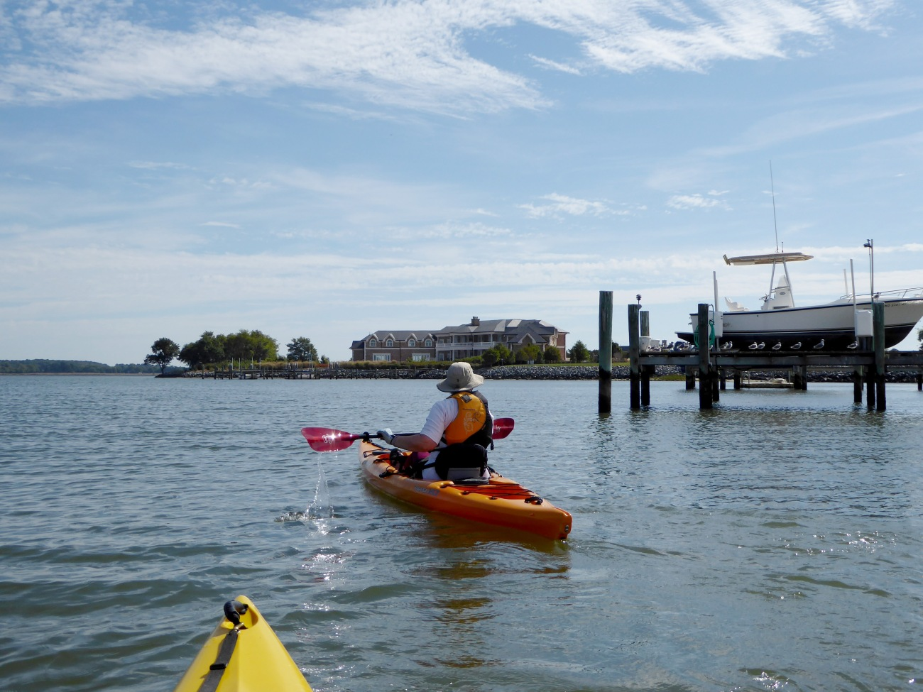 20171006_114711_Kayaking by some large homes
