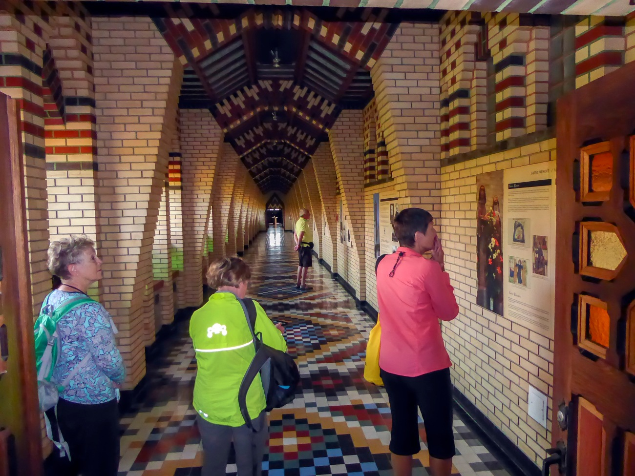 20180918_163719_Judy, Chris, and Lynn read the plaques on Abbey History